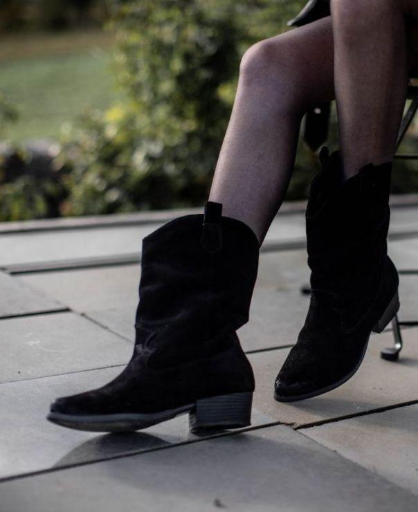 Czarne welurowe kowbojki  8040-W003